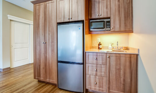 Kitchenette in suite at Oakcrossing Retirement Living