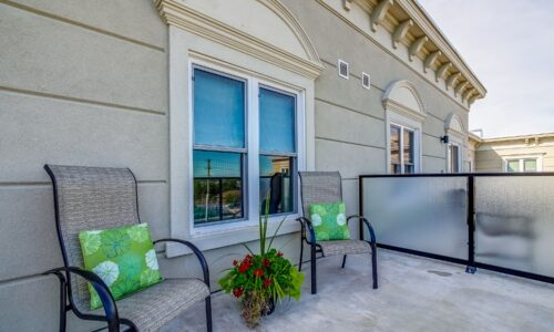 Outdoor balcony of suite at Oakcrossing Retirement Living